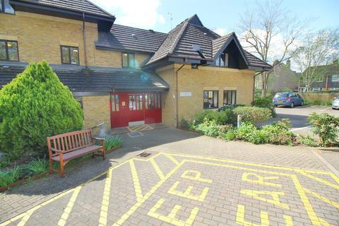 1 bedroom retirement property for sale - Churchgate, West Cheshunt, Herts, EN8