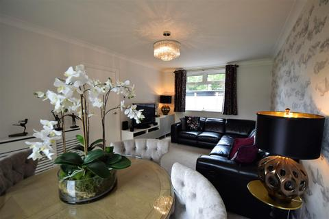 2 bedroom apartment to rent - Foxhill Court, Weetwood, Leeds