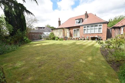 4 bedroom detached house for sale - Cecil Avenue, Sale, M33
