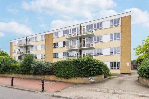 2 bedroom flat to rent - Wellesley Court, Bathurst Walk, Richings Park, Buckinghamshire