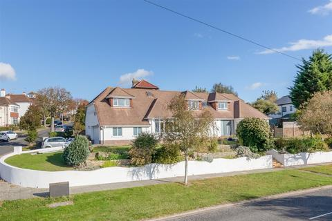 6 bedroom detached house for sale - Shirley Drive, Hove