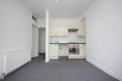 1 bedroom flat to rent - Devonport Road, Stoke