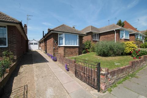 2 bedroom detached bungalow for sale - Overdown Rise, Portslade, Brighton, East Sussex, BN41 2YG