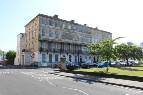 1 bedroom flat to rent - Berkeley Place, Cheltenham