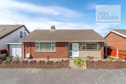 3 bedroom detached bungalow for sale - Daulwyn Road, Drury CH7 3