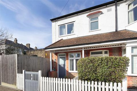 2 bedroom end of terrace house for sale - Avoca Road, Tooting, London, SW17
