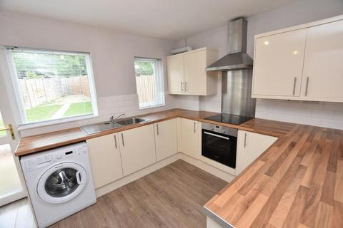 3 bedroom semi-detached house to rent - Poole Crescent, Harborne