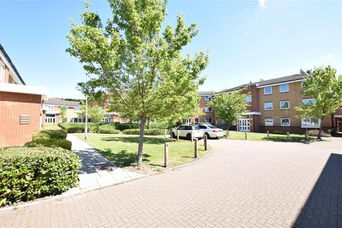 1 bedroom flat for sale - Warwick Close, HORNCHURCH, Essex, RM11 3DQ