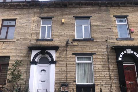 1 bedroom house share to rent -  21 Grove Terrace,  Bradford, BD7