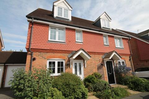 4 bedroom semi-detached house for sale - Chestnut Drive, Hassocks, West Sussex,