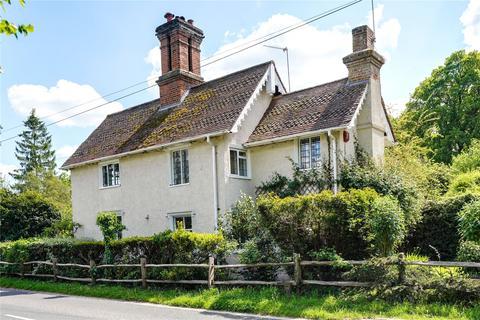 4 bedroom detached house for sale - Cobham Road, Fetcham, Leatherhead, Surrey, KT22
