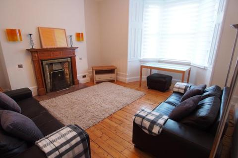 3 bedroom flat to rent - Whitehall Road, Aberdeen, AB25