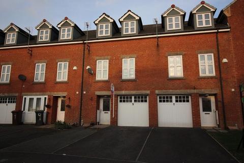 4 bedroom terraced house to rent - Besant Close, Blackburn. Lancs BB1 2RG