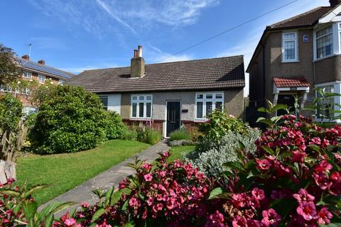 2 bedroom bungalow for sale - Blackfen Road Sidcup DA15