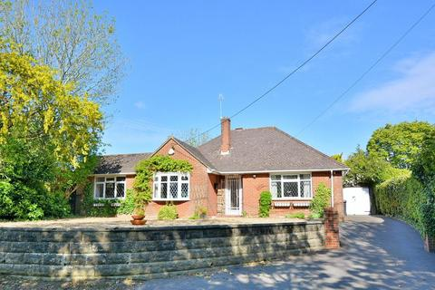 2 bedroom detached bungalow for sale - Stapehill Road, Stapehill, Wimborne, Dorset, BH21 7LY