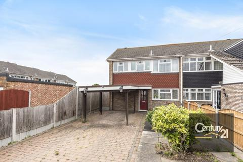3 bedroom terraced house for sale - Manston Way RM12