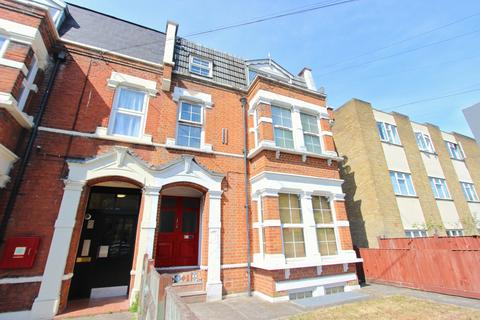 2 bedroom flat to rent - Teesdale Road, Leytonstone, London E11