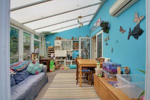 3 bedroom semi-detached house for sale - Buckingham Road, Hockley