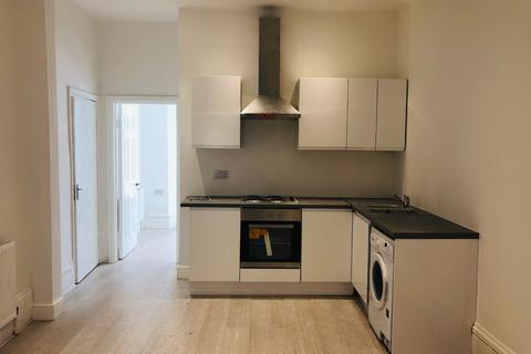 2 bedroom flat to rent - Northbrook Road, Ilford IG1