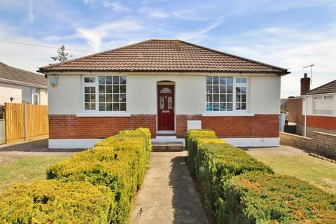 3 bedroom detached bungalow for sale - Southill Road, Parkstone, POOLE, Dorset
