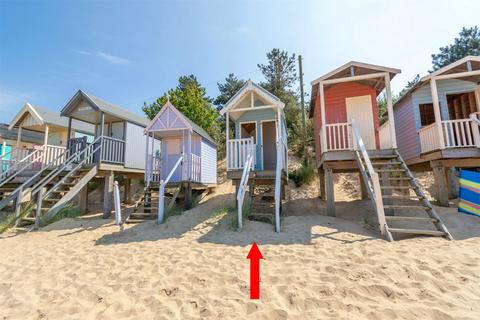 Chalet for sale - Beach Hut 22, Wells-next-the-Sea