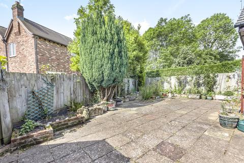 2 bedroom detached bungalow for sale - Oak Lane, Headcorn