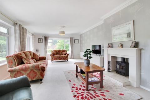 4 bedroom detached bungalow for sale - Paddock Close, St Mary's Platt, Sevenoaks, Kent, TN15