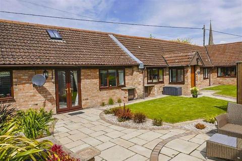 3 bedroom cottage for sale - St Johns Road, Slimbridge, GL2