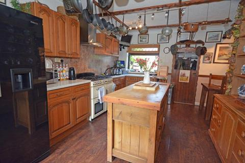 3 bedroom semi-detached house for sale - Grasmere Road, Ulverston
