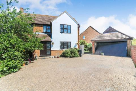 4 bedroom detached house for sale - Esplanade, Mayland