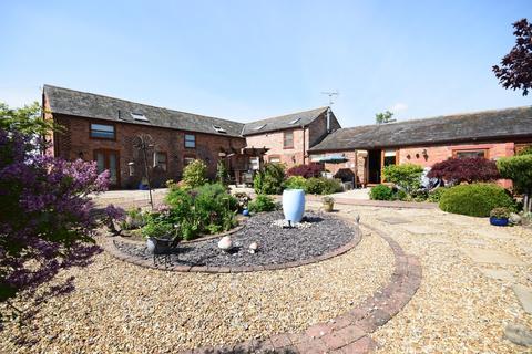 4 bedroom barn conversion for sale - Halghton, Hanmer