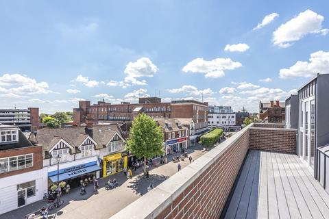 2 bedroom flat for sale - High Street, Staines-Upon-Thames, TW18