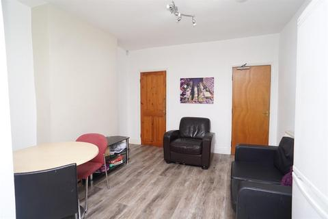 4 bedroom terraced house to rent - Langdon Street, Sheffield, S11 8TB