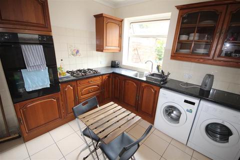 5 bedroom semi-detached house to rent - Denzil Avenue, Southampton