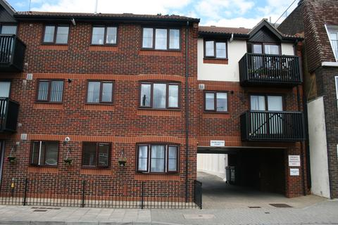 2 bedroom ground floor flat to rent - OLD PORTSMOUTH,   WARBLINGTON STREET   FURNISHED   OVER 50'S ONLY
