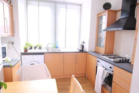 2 bedroom flat to rent - Royal College Street, London