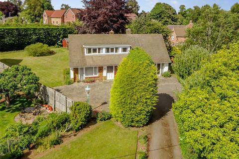 3 bedroom detached house for sale - Church Way, Northampton, Northamptonshire, NN3