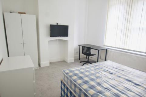 3 bedroom ground floor flat to rent - Derby Road, City Centre, Nottingham