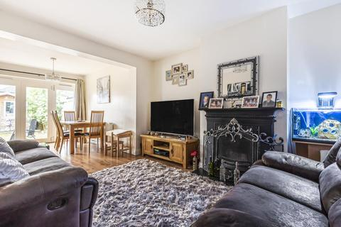 3 bedroom bungalow for sale - Ashford, Surrey, TW15