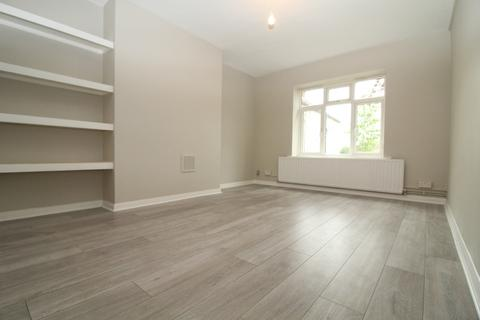 4 bedroom house share to rent - London , CherryCourt,PittCrescent,Wimble