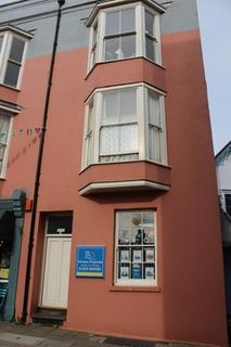 2 bedroom flat to rent - 7 Lorne House, St Julian Street, Tenby SA70 2 bed Lower ground floor flat with garden.