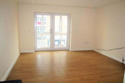 1 bedroom flat to rent - High Street , Slough , Berkshire SL1