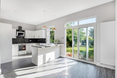 3 bedroom semi-detached house for sale - Coniston Road Bromley BR1