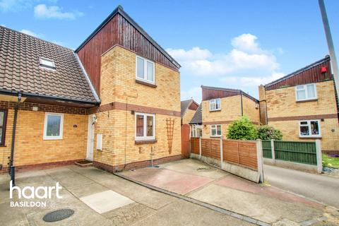 4 bedroom semi-detached house for sale - Snowdonia Close, Basildon