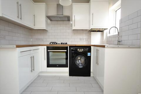 2 bedroom house to rent - Reede Road, Dagenham, RM10