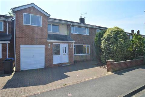 4 bedroom semi-detached house to rent - Bamburgh Road, Newton Hall