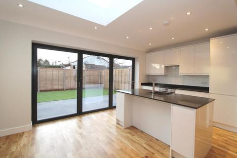 4 bedroom house - Princes Avenue, Acton, London, W3
