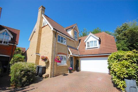 6 bedroom detached house for sale - Grantham Avenue, Great Notley, Braintree, CM77