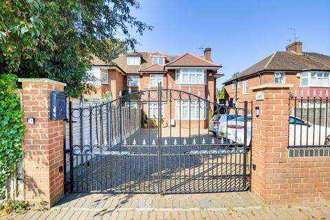 6 bedroom semi-detached house for sale - HENDON WAY, LONDON, NW2