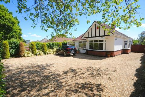 4 bedroom bungalow for sale - Ringwood Road, Parkstone, Poole, BH12